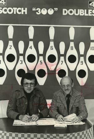 """Mike Elliott, left, and Hal Kaminski hosted """"Scotch 300 Doubles,"""" an afternoon bowling show on WTMJ-TV (Channel 4) in Milwaukee in the mid-1970s. Elliott died April 20, 2020, at age 82."""
