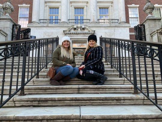 """Gossip Girl"" filmed scenes on the steps of the Metropolitan Museum of Art."