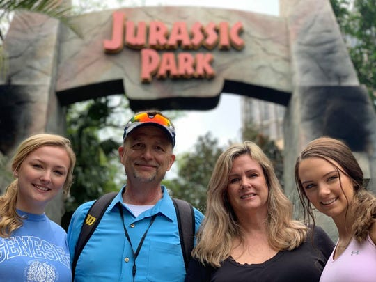 Rick Zolzer, daughter Taylor, Mary zolzer and   daughter Jordan