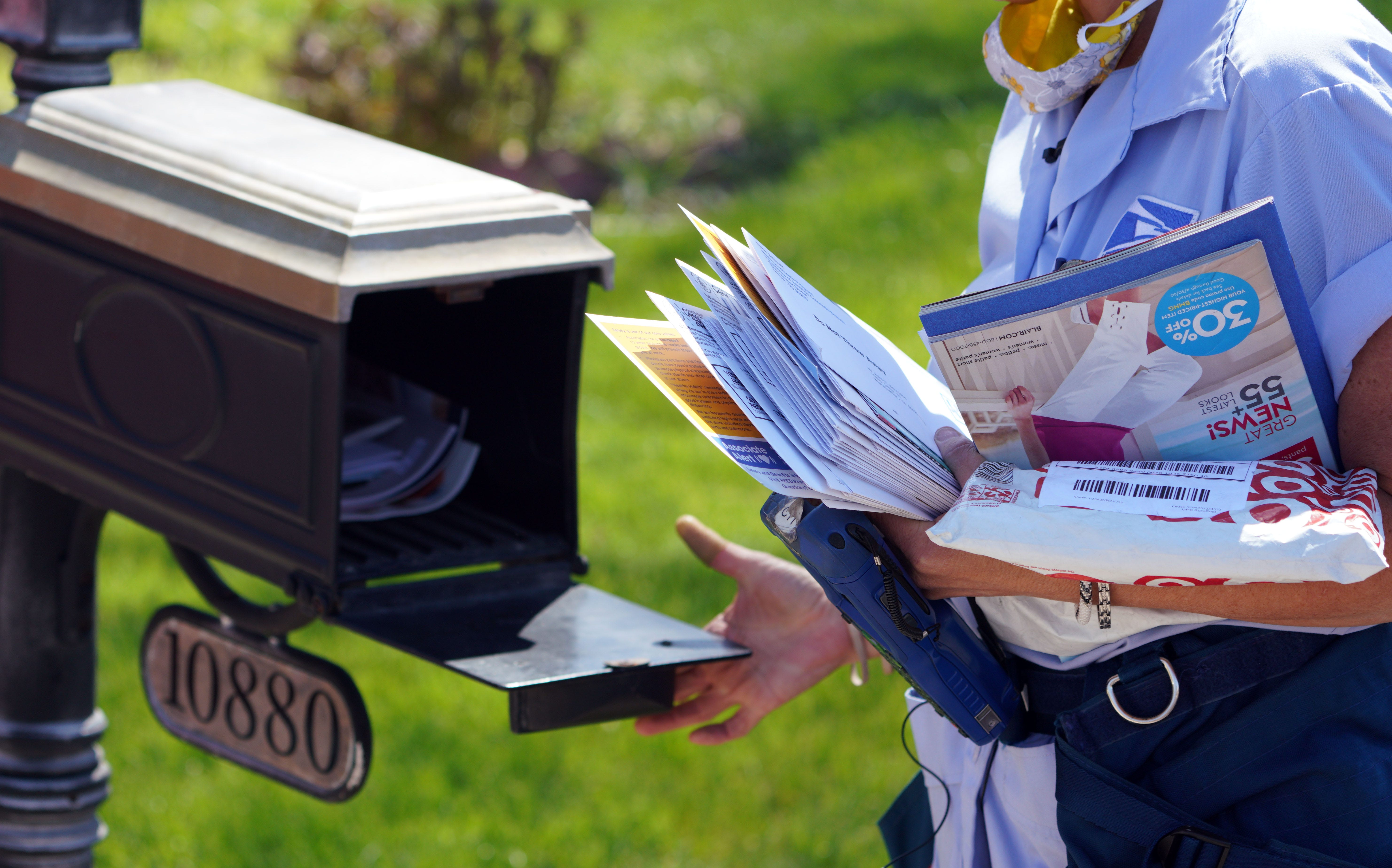 Ups Losing Money Christmas 2020 Coronavirus deliveries: Mail carriers, FedEx, UPS workers busier