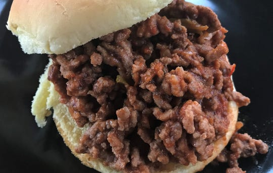 Pace Picante Sloppy Joes recipe makes six substantial sandwiches that cost a little more than $1 each to make.