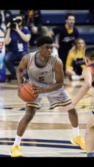 Freshman guard Donavan Moore played eight games for Toledo in 2019-20 before entering the transfer portal. He committed to UWGB on Wednesday.