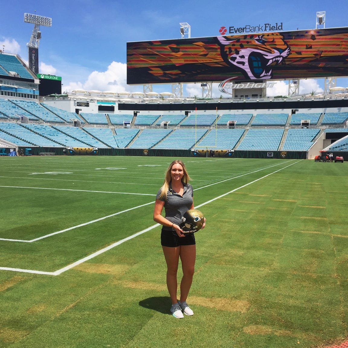 2013 Mansfield Senior grad Victoria Leahy got her first big break as an intern for the Jacksonville Jaguars.