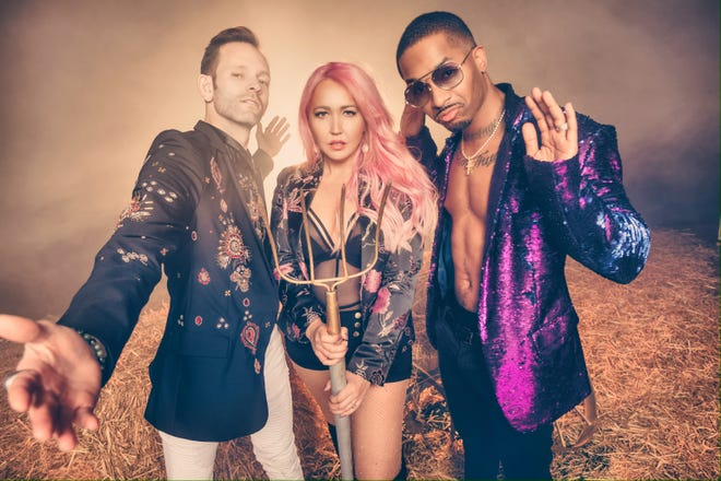"""""""Right Thurr"""" rapper Chingy (right) collaborates with Nashville duo Meg & Tyler on a new country-rap single, """"The Woah Down."""""""