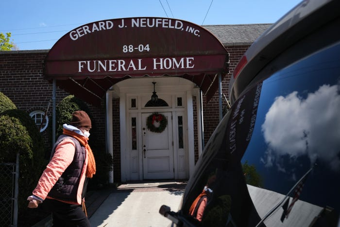 Religions alter death and burial rituals in wake of coronavirus, causing mourners more heartbreak