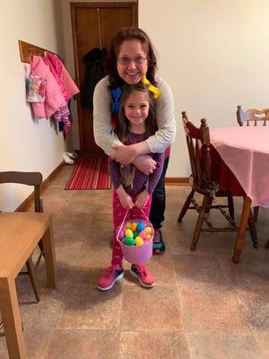 Kimbra Shanafelt with her daughter Dahni Shanafelt