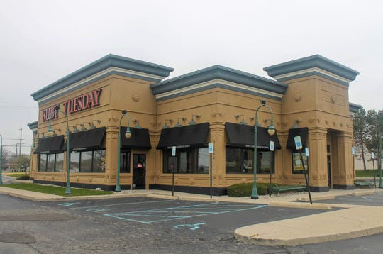 The former Ruby Tuesday restaurant in Farmington Hills. A rezoning hearing for part of the property's parking lot took place earlier this month before the city's planning commission.