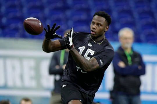 LSU tight end Stephen Sullivan runs a drill at the NFL football scouting combine in Indianapolis, Thursday, Feb. 27, 2020. (AP Photo/Michael Conroy)