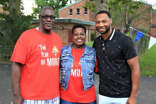 Gary Green, Melinda Peterman,  and his nephew Willie Green who played in the NBA for 12 years.