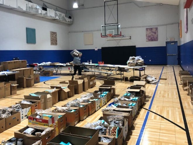Ross Community Center continues to serve neighbors by modifying its weekly market to drive-through food distribution. Ross Community Center is a recipient of an Emergency Response Grant from the Community Foundation of Muncie and Delaware County.
