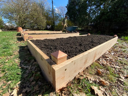 Social distancing has shut down his Hudson Oven bread business, and it's Sunday Scavenger Hunt, so owner Chase Harnett has started designing and selling raised garden beds.