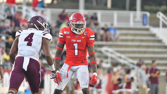 Stony Brook's Gavin Heslop (1), a Yonkers native and Archbishop Stepinac standout, is joining the Seattle Seahawks as an undrafted free agent.