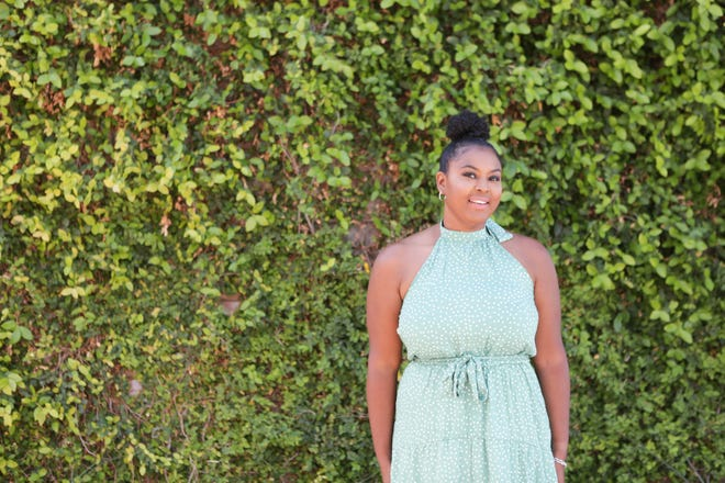 Kisha Gulley posts on Instagram as @panamakish and identifies as an Afro-Latina blogger. On her blog, The Kisha Project, she often posts about her life, parenting, beauty and fashion.