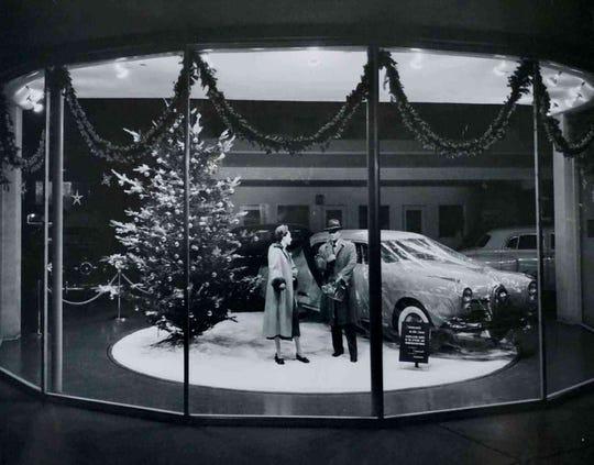 Jack Stewart Motor Company building turntable, 1947.
