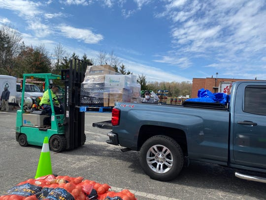 MCFOODS serves Middlesex County families in need.