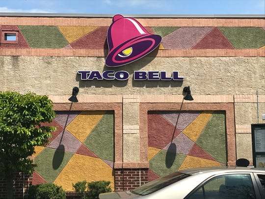 Cherry Hill's planning board on Monday is to consider a proposal to build a Taco Bell at a Route 70 shopping center.
