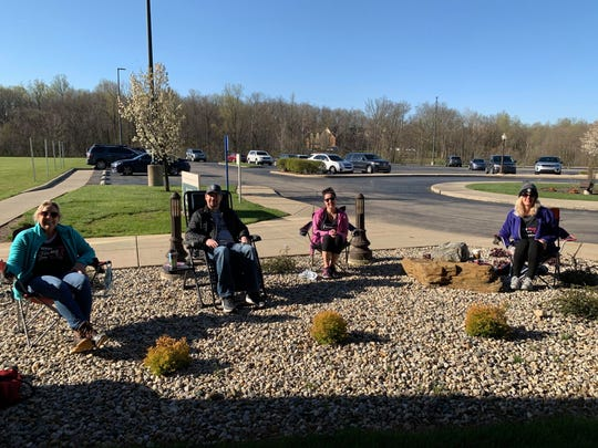 Since they couldn't come inside due to COVID-19, friends and family of Jennifer Blackford camped outside during her first chemo treatment.