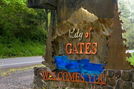 Scenes from around Gates, Oregon, on April 29, 2020.