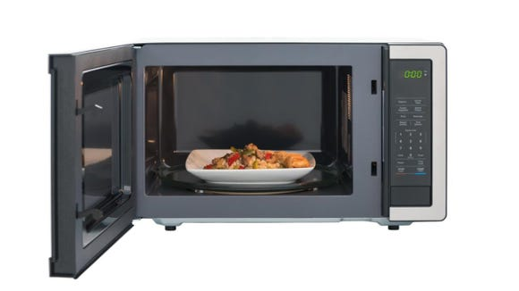 While heavy, the interior space is impressive and can heat up large meals with ease.