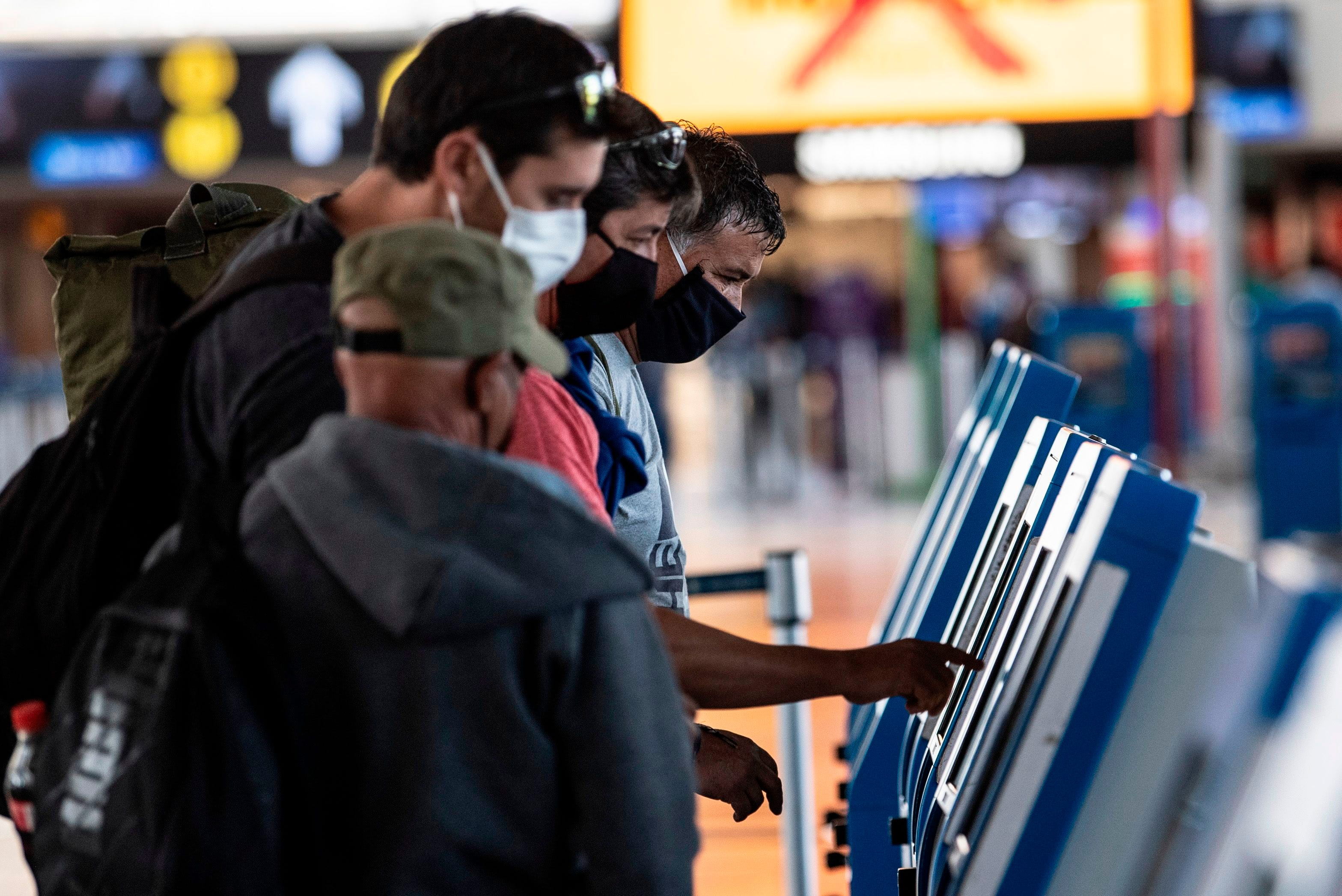 Coronavirus American United Delta More To Require Flyer Face Masks