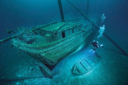Shipwreck of the Cornelia B. Windiate at the bottom of Lake Huron.