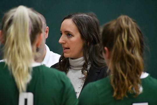Battle Creek's Leigh Barea has received the Thirty Under 30 Award by the AVCA for her work as a head volleyball coach at the University of Wisconsin-Parkside.