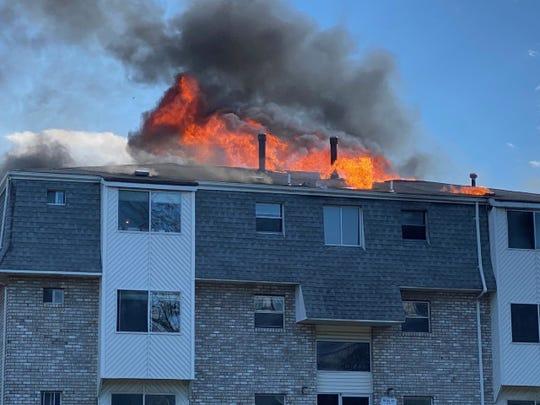 Edison apartment building fire along Parsonage Road