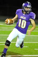 Sterling City's Cooper Hinderliter runs for a touchdown in a 2012 game against Eden.