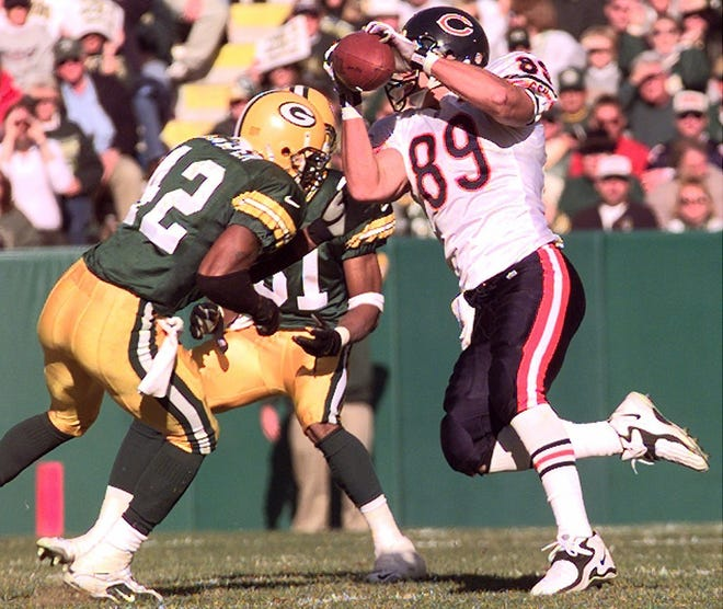 Ryan Wetnight (89) played 91 games in seven season with the Bears before finishing his NFL career with the Green Bay Packers.