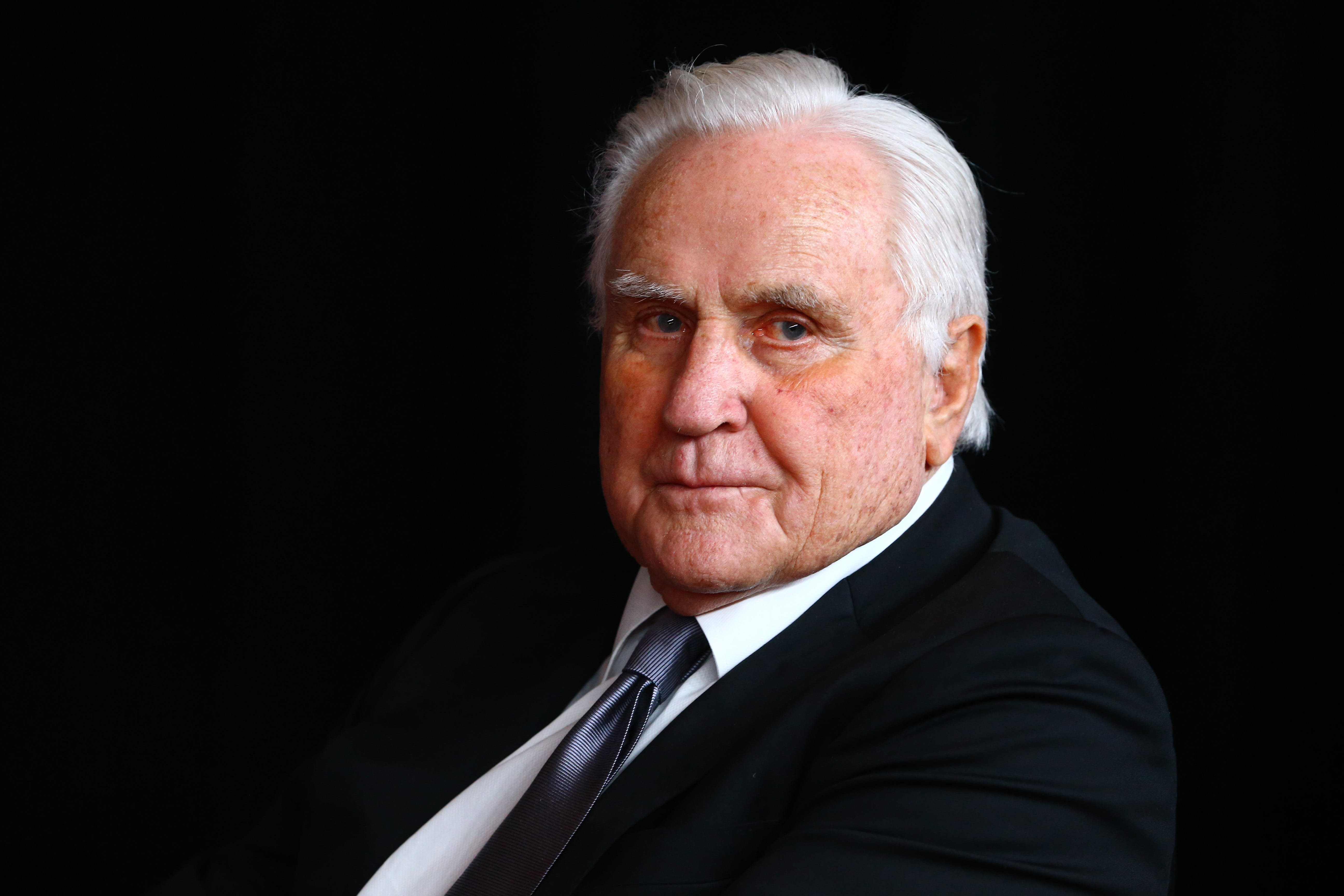 Tribute: Don Shula, winningest coach in NFL history, led Miami Dolphins to league s only unbeaten season