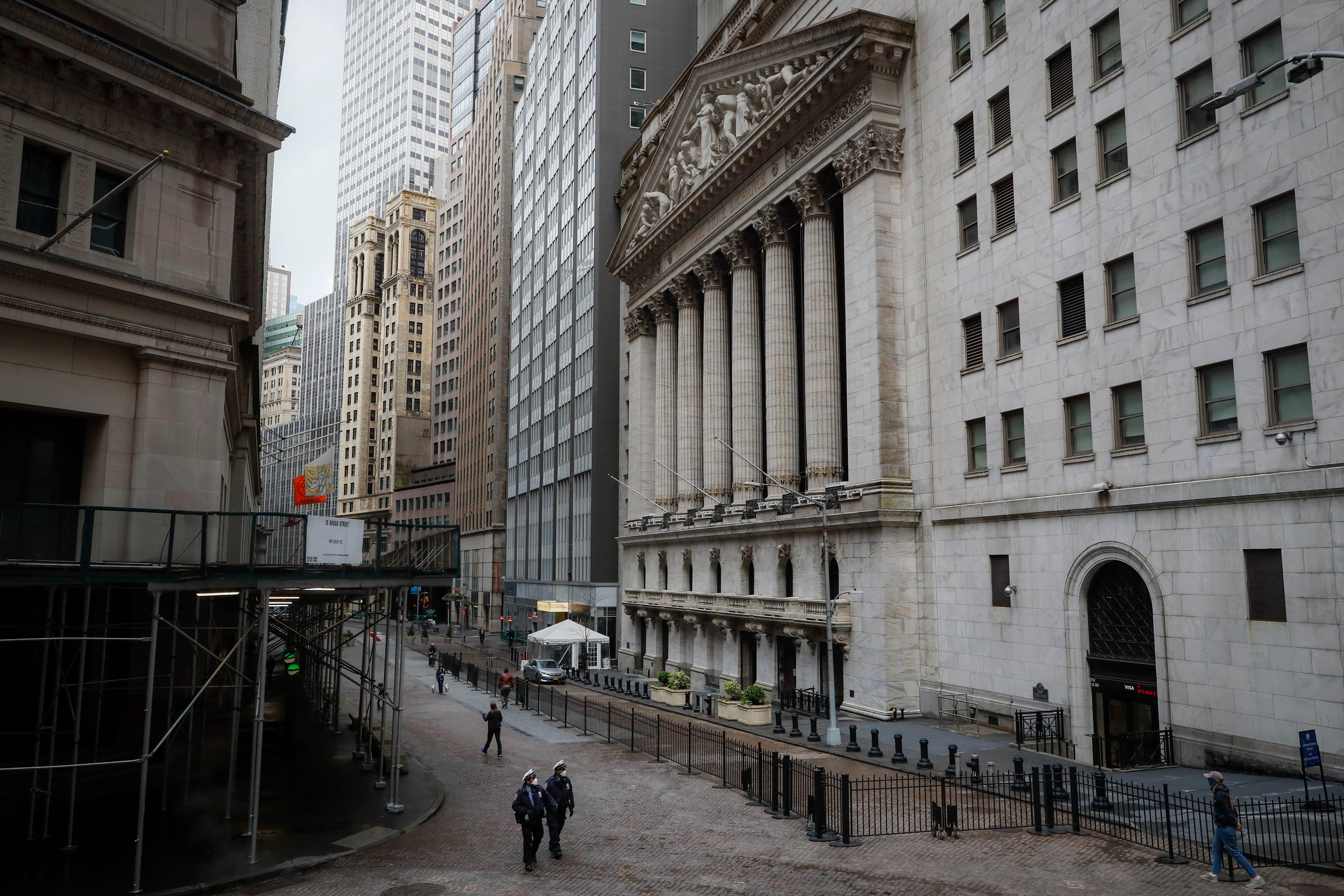 Dow drops 650 points as coronavirus counts jump
