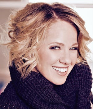 Singer Kristen Hertzenberg finally perform Saturday in Abilene after two previous shows were canceled.