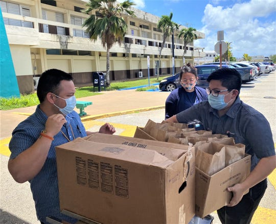 Jack in the Box Monday donated150 sandwiches and mealsdeliveredto doctors, nursesand staff atGuam Memorial Hospital.