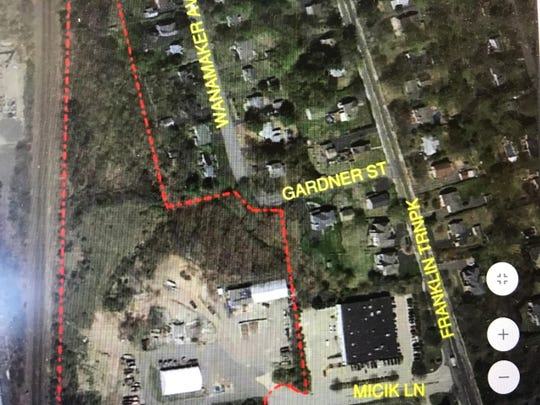 Mahwah's Micik Lane property runs along the railroad tracks, left, off Franklin Turnpike, right.