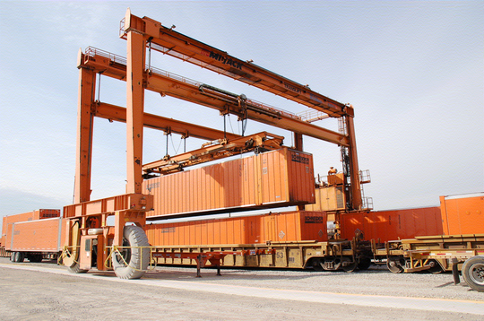 Marion Industrial Center boasts a fully functional intermodal terminal with two large cranes and a mobile box loader that can transload an entire unit train within a few hours.