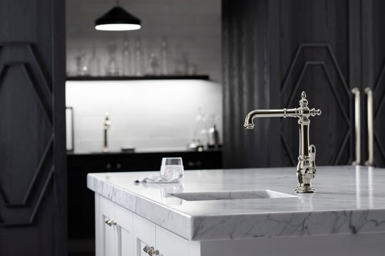 A gentleman's faucet is inspired by the old-time soda fountain spigots and since it's a classic style, it can be a perfect match with any classic bar.