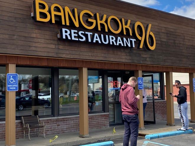 Dearborn's Bangkok 96 adalah salah satu restoran yang berpartisipasi dalam inisiatif Penyelamatan Michigan Restoran Atlas Wholesale.