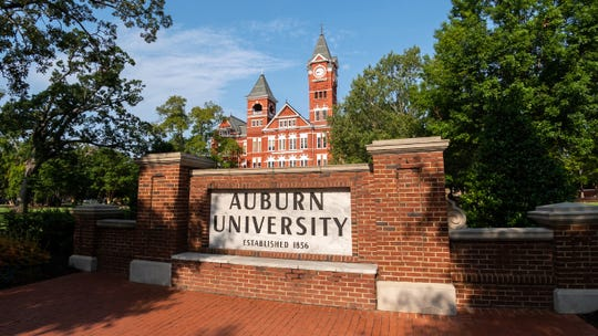 The Auburn University sign in front of Samford Hall.