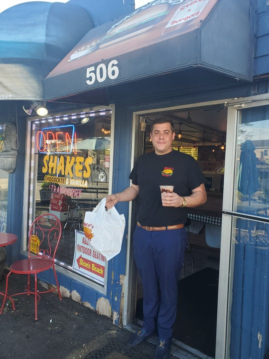 Stephen Christomalis, chef/owner Steve's Burgers in Lodi