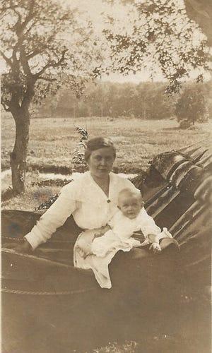 Ilene Siegman pictured with her mother, Jennie Waring Patton, in spring 1918. Patton died when Siegman was 14 months old from the Spanish Flu in 1920.