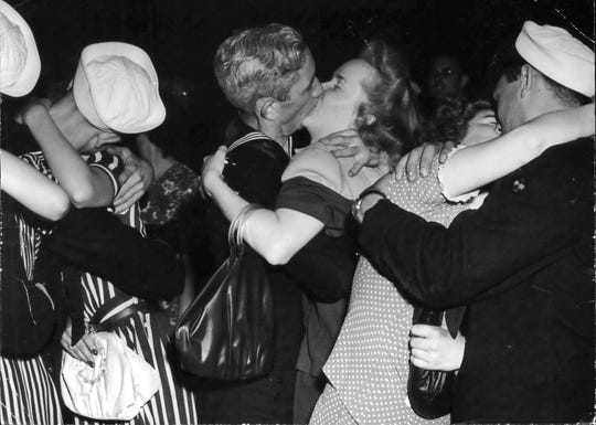 1945: Sailors and civilians kissed in Milwaukee as they marked the end of World War II.