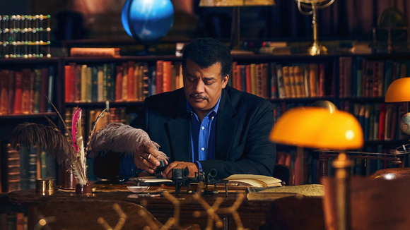 Learn how to be as engaging as a speaker as Neil deGrasse Tyson.