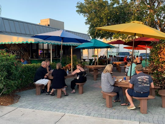 Scenes from Vero Beach oceanside shopping district 5:45-8 p.m. May 8, 2020. It marked the first Friday night many businesses were open after shutting down amid the COVID-19 crisis.