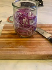 Onions for pickling