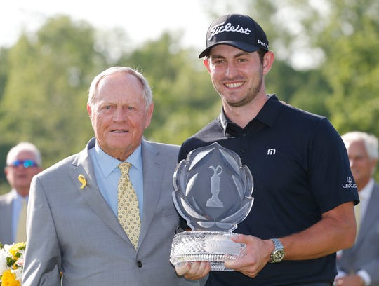 Patrick Cantlay poses with Jack Nicklaus after winning the 2019 Memorial Tournament.