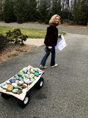 Mahwah resident Donna Rann distributed her first wagonload of rock messages.
