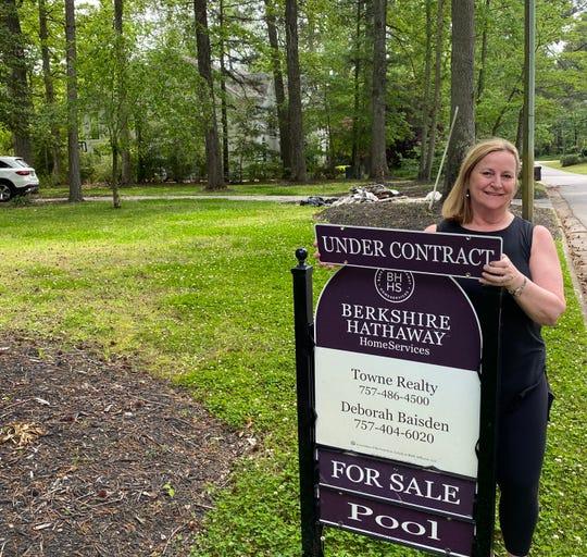 Realtor Deborah Baisden of BHHS Towne Realty in Virginia.