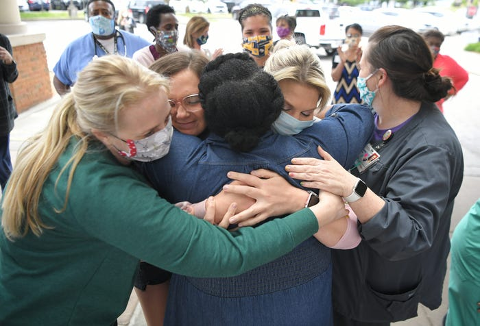 Tennessee family, hospital celebrate as last COVID-19 patient gets released after 53-day fight