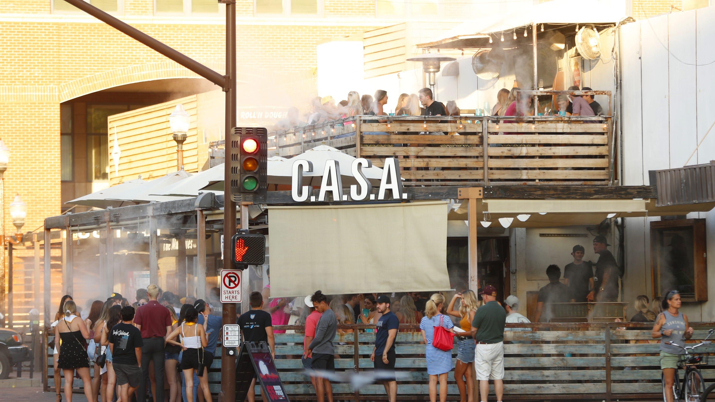 Piano Bar Per Casa arizona governor calls crowded casa tempe bar an 'outlier'