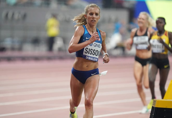 Emily Sisson was 10th in the 10,000-meter at the 2019 World Championships. She and her husband moved to metro Phoenix last summer.